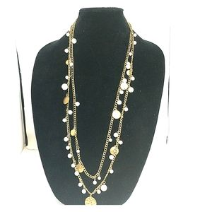 Gold and pearls statement Necklace